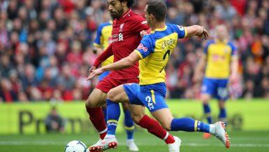 محمد صلاح يسجل ويقود ليفربول للفوز بثلاثية على ساوثهامبتون