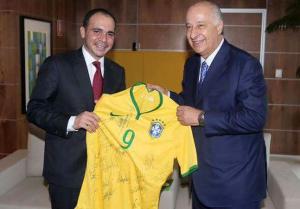 الأمير علي بن الحسين يلتقي رئيس الاتحاد البرازيلي لكرة القدم