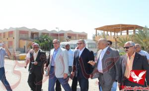 بالصور..عبدالعزيز يعلن تنسيقه مع رئيس الوزراء بالغردقة